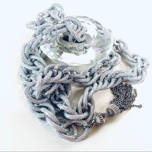 Chain belt in silver ( colour) with a hook